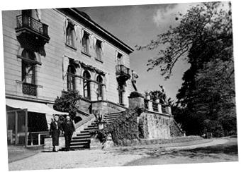 Fotografía del exterior de la Residencia Honorífica